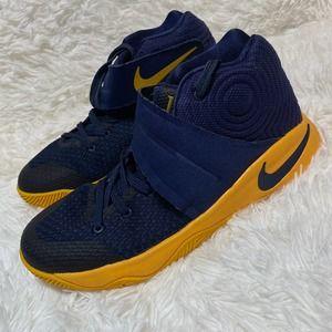 Nike Kyrie Cavs 2 Kids Size 5Y
